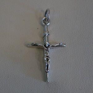 Jewelry - Sterling Silver (.925) 25 x 14mm Crucifix Pendant